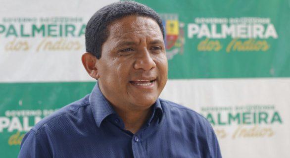 Prefeito de Palmeira dos Índios nega compra de votos e irá processar blogueira