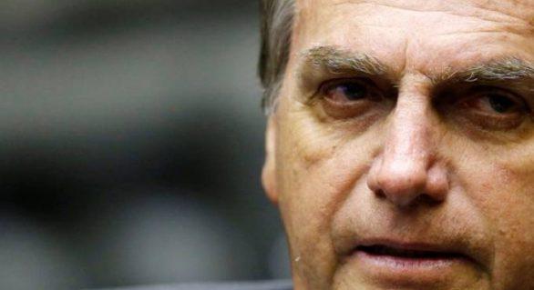 "Bolsonaro se reúne com Janaína e participa do ""Roda Viva"""