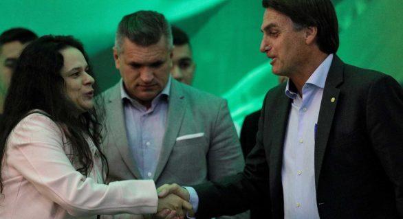 PRTB oferece general para vice de Bolsonaro, que pode optar por Janaína