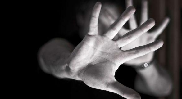 Mulheres vítimas de violência poderão sacar FGTS, segundo projeto de lei