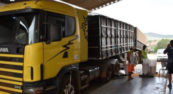 Prefeitura de Santana recebe 100 toneladas de sementes de milho da Conab