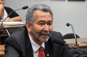 Após suspensão de decisão; Paulão disputará reeleição em AL