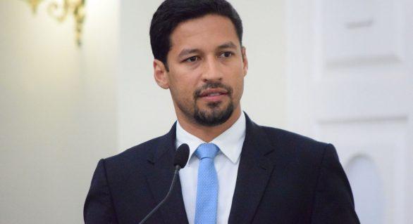 Rodrigo Cunha afirma que não subirá em palanques e segue campanha independente