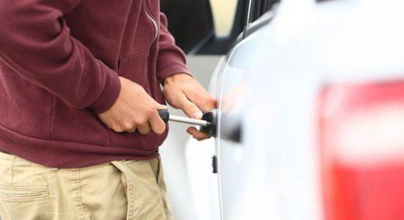 Bompreço deve indenizar cliente por furto em estacionamento