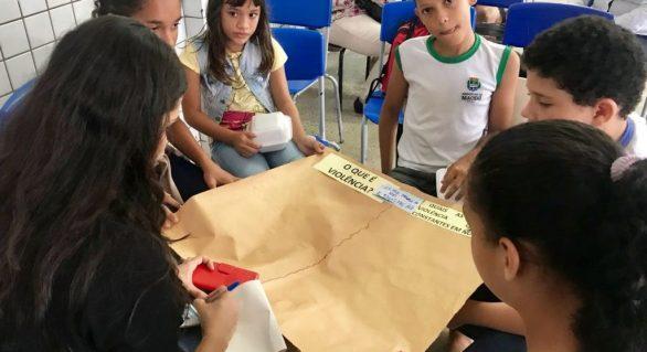 Crianças e adolescentes discutem direitos em conferência