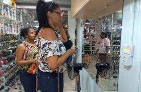 Lojistas do Shopping Popular tiram dúvidas sobre como atrair clientes