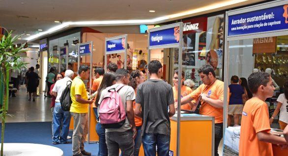 Alunos da Rede Sesi/Senai expõe produção científica em shopping