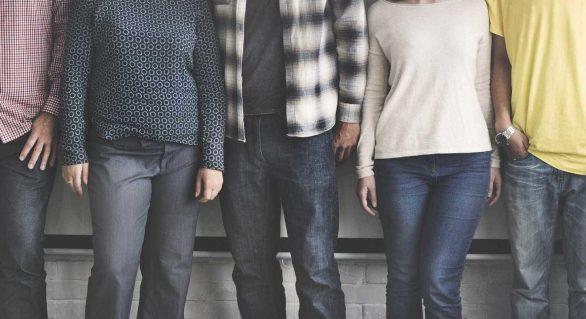 Em 2017, salário médio dos homens foi 17% maior do que o das mulheres