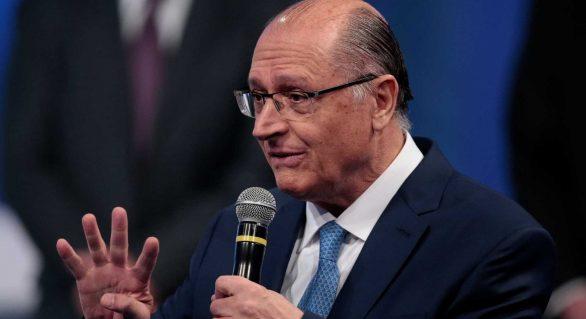 Bolsonaro é menino mimado; não aceita derrota, diz Alckmin