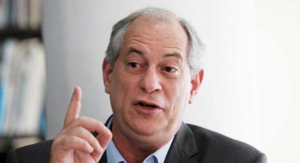 'De um lado o fascista e do outro o PT que roubou o país', diz Ciro