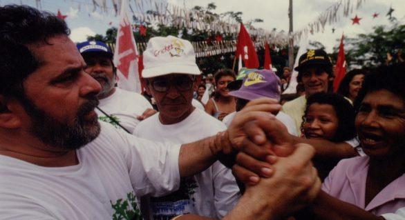 Jornal The Guardian: Conhece o coração do Brasil para saber em quem os brasileiros votarão