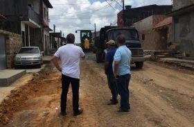 Bairros da parte alta de Maceió recebem obras de pavimentação