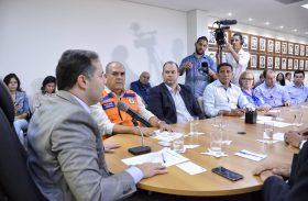 Prefeito de Palmeira discute com Governo do Estado plano de combate à seca
