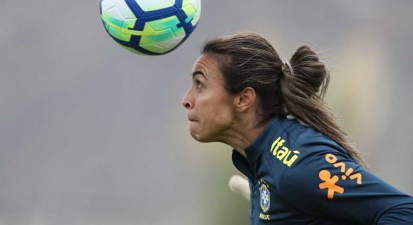 Após faturar prêmio da Fifa, Marta é finalista ao Bola de Ouro