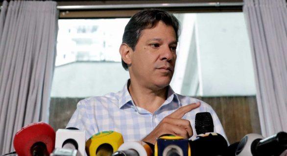 Militar que foge do debate não honra a farda, diz Haddad