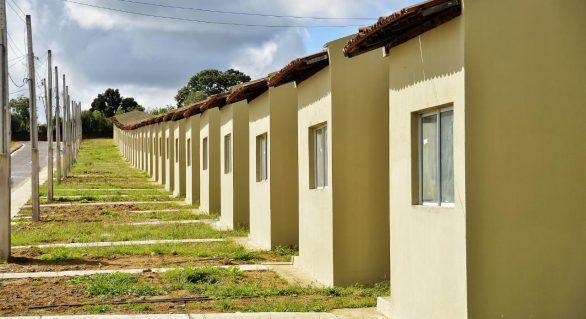 Prefeito de Palmeira dos Índios confirma entrega das primeiras casas do Brivaldo Medeiros