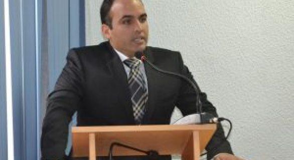 Exemplo raro: prefeito alagoano devolve dinheiro que economizou em obra