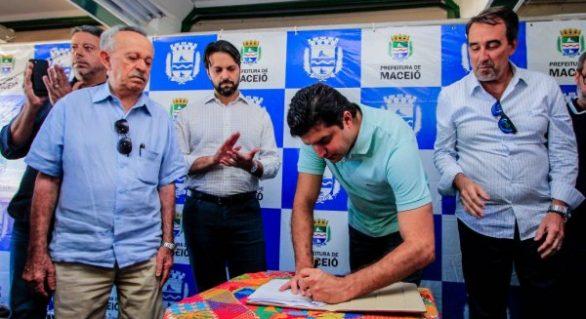 Prefeito e ministro autorizam construção de novas moradias em Maceió
