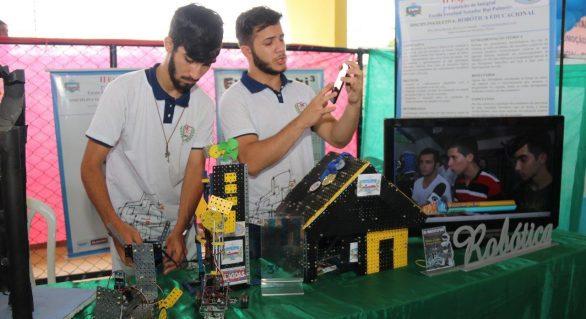 Estudantes do ensino integral transformam conhecimento em projetos inovadores
