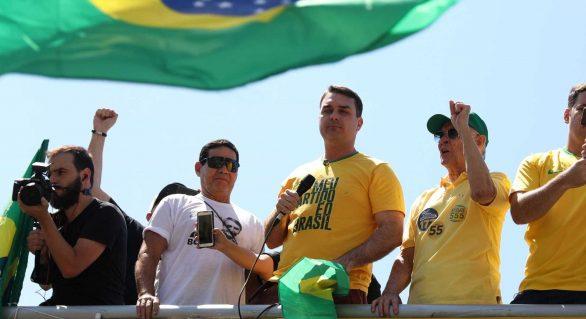 Não fiz nada de errado, diz Flávio Bolsonaro sobre ex-assessor