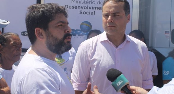 Renan Filho promete recursos para pagar programa do leite