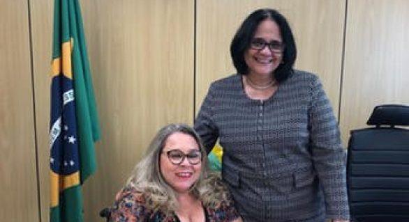 Ex-deputada federal alagoana toma posse no ministério de Damares