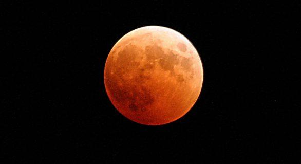 2019 começa com eclipse total de Superlua; saiba quando ver