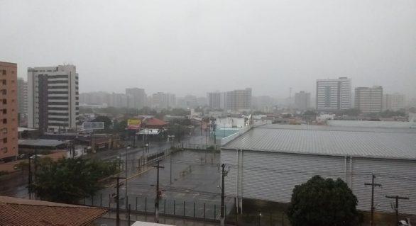 Chove em horas o previsto para todo o mês de janeiro em Maceió, diz meteorologista