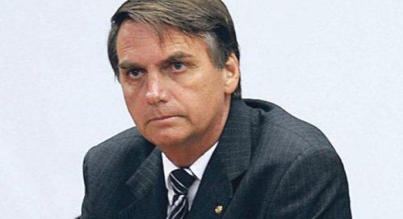 Bolsonaro destaca em rede social aumento da confiança no comércio