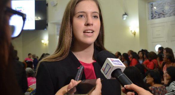 Cibele Moura protoca na ALE projeto de lei contra a violência a mulher em Alagoas