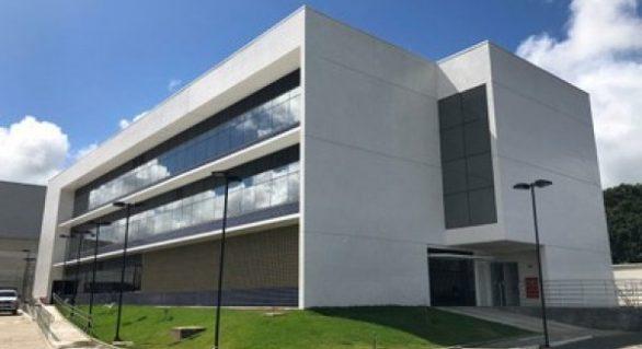 MPF pede à Justiça a retirada de nomes de pessoas vivas de bens públicos em Alagoas