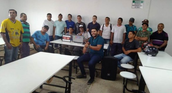 Colaboradores da FrigoVale participam de palestra sobre Saúde e Segurança no Trabalho