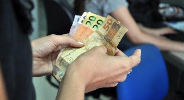 Primeira faixa salarial para servidores estaduais será paga na terça-feira (30)
