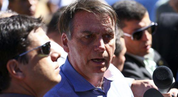 Bolsonaro volta a defender Escola sem Partido