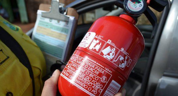Comissão rejeita volta de extintor obrigatório nos veículos