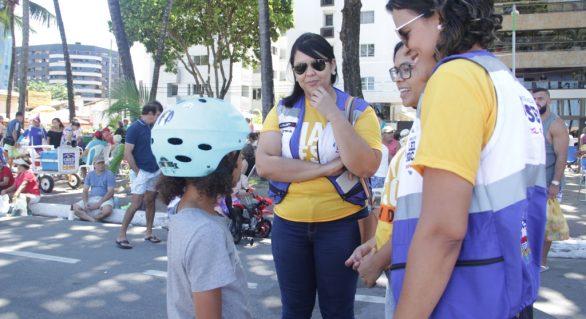 Detran/AL promove ação educativa na Rua Fechada