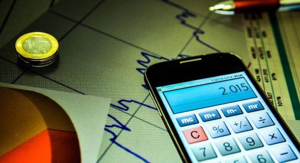 Estimativa do mercado para crescimento da economia cai para 0,93%
