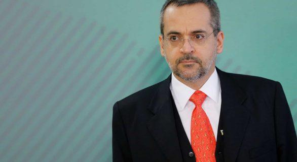Ministro iguala Lula e Dilma à cocaína encontrada em avião da FAB