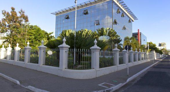 O governo de Alagoas fechou o primeiro quadrimestre de 2019 em situação financeira confortável
