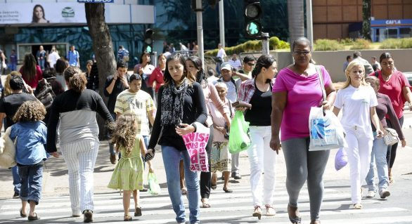 Desemprego no Brasil recua 0,7 ponto percentual, diz IBGE