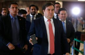 Previdência: Maia admite deixar votação em 2º turno da reforma para agosto