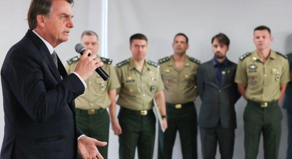 Bolsonaro fala sobre Amazônia e guerra da informação