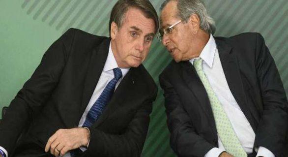 Bolsonaro diz que cabe a Guedes promover mudanças no Coaf