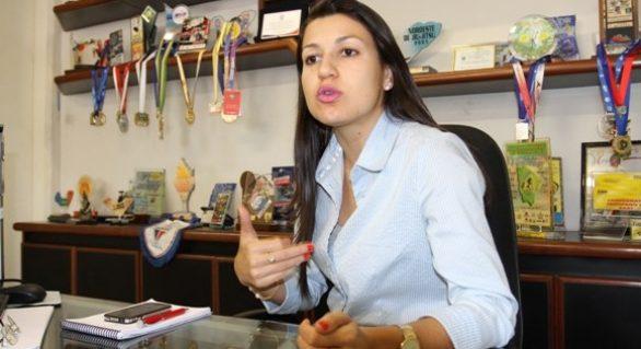 Cláudia Petuba se encontrará com deputados para explicar devolução do dinheiro de convênios