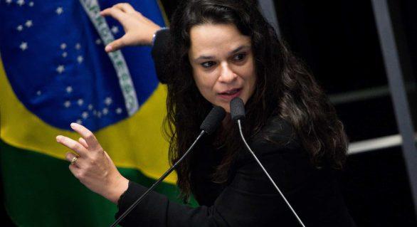 Janaina pede impeachment de Toffoli por beneficiar Flávio Bolsonaro
