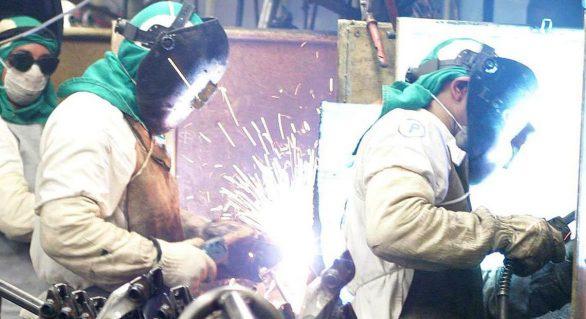 Produção industrial brasileira fica acima da média histórica