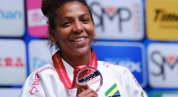 Brasileira Rafaela Silva leva bonze em Mundial de Judô