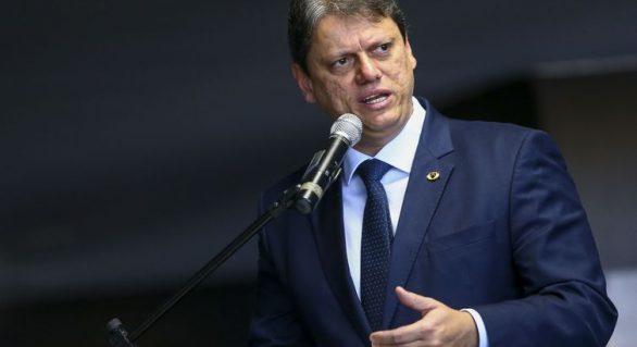 Tarciso Freitas diz que Governo quer dobrar transporte de carga por ferrovias