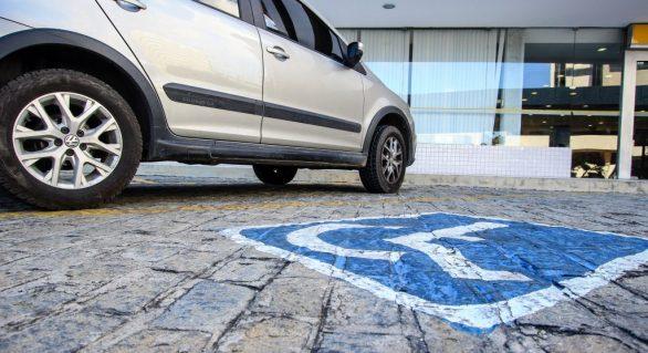 Infrações por estacionamento em vagas prioritárias aumentaram