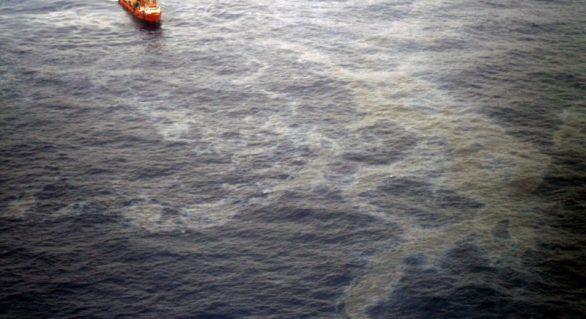 Petrobras registra vazamento de óleo na Bacia de Campos